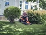 Husqvarna® Rider R 320 AWD