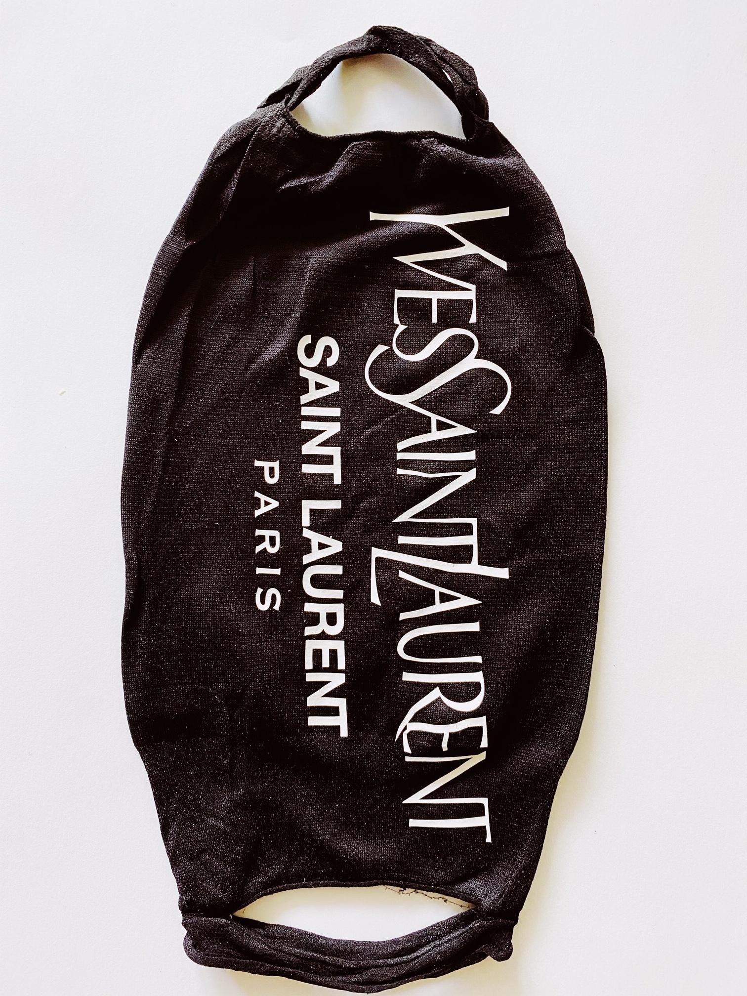 Gezichts masker aan 2 kanten een print! zwart