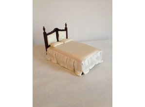 AM01.2 noten houten bed AFM: 18x11x10 cm