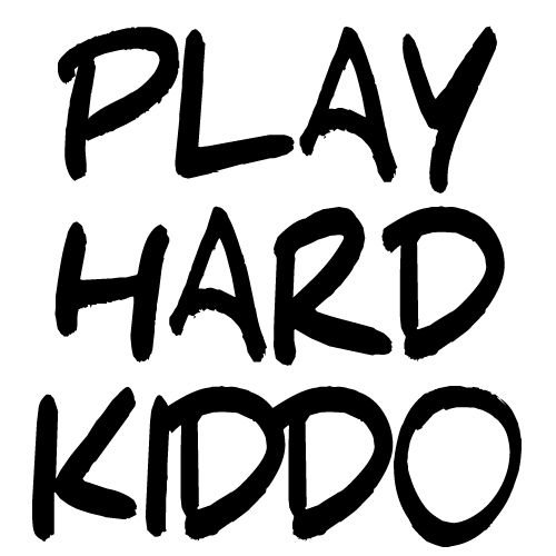 KIDZ DISTRICT PLAY HARD KIDDO MUURSTICKER