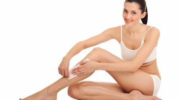 Waxing your legs yourself: how to do it. Tips and tricks