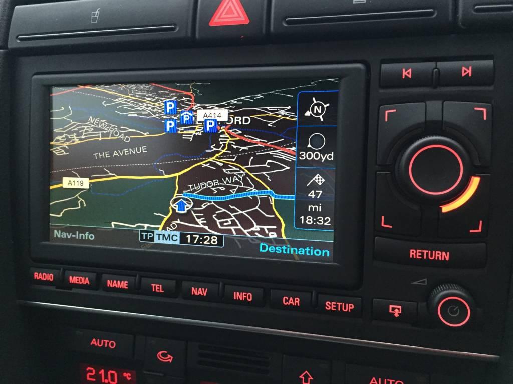 Audi A4 8E 8H Navi RNS-E Media new 8E0035193