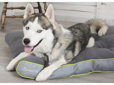 Comfortabel en Duurzaam hondenkussen - Wasbaar van Gerecycled Materiaal - Scruffs ECO - Grijs82x58cm