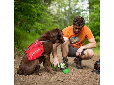 Kurgo Gourd H2O Bottle & Bowl - Drinkfles voor jou en waterbak voor de hond in één - Rood, blauw, groen