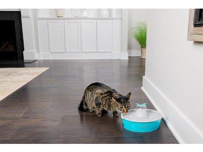 PetSafe Drinkwell® Butterfly Pet Fountain - Drinkfontein voor katten en kleine honden - Met 4 vrijvallende waterstromen of rustige, borrelende stroom - Door het design van alle kanten bereikbaar - 1,5 liter