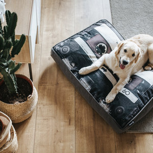 Mixtape Hondenkussen in 2 kleuren - 100 x 70 cm
