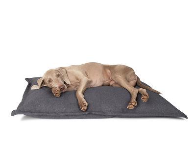 Hondenkussen - Comfortabel, Wasbaar van Hoogwaardig Materiaal - District 70 - in 4 Kleuren 105 x 70 cm