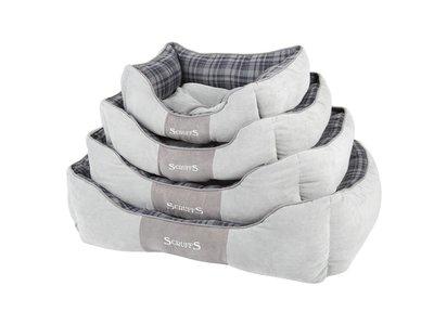 Stevige Hondenmand van Hoogwaardige Chenille stof met anti-slip onderzijde - Scruffs Highland Box Bed - Blauw, Rood of  Grijs in S/M/L/XL