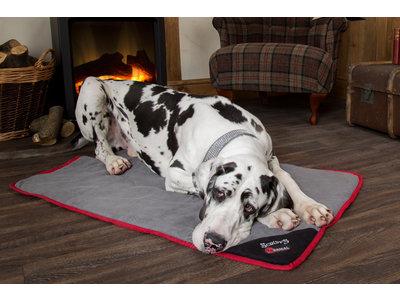 Scruffs Thermal Self-Heating Blanket - Warme deken voor Honden - Kleur Bruin/Beige of Zwart/Grijs - 110 x 72,5 cm