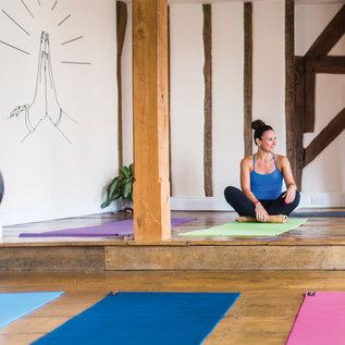 FITNESS MAD Fitness Mad Yoga Mat Fitnessmat 4mm 183x61cm WarriorII 1.1kg PVC AZO DOP vrij Licht Blauw