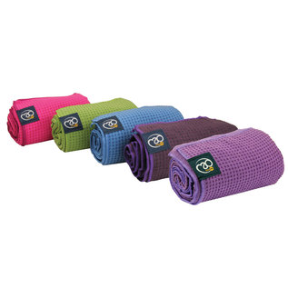FITNESS MAD Fitness Mad Yoga mat handdoek anti slip 183cm Aubergine Grip Dot Yoga Mat Towel 183x60 cm met siliconen grip dots (phthalate vrij) ideaal voor studio of op reis
