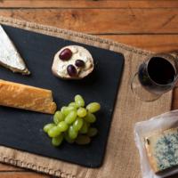 Rode wijn bij kaas? Hoe kóm je erbij?