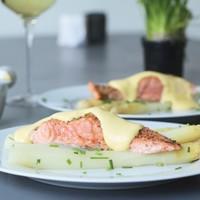 Thuis koken: Asperges, zalm en Hollandaise saus