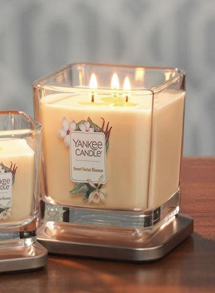 Yankee Candle Yankee Candle Sweet Nectar Blossom Elevation Medium Geurkaars