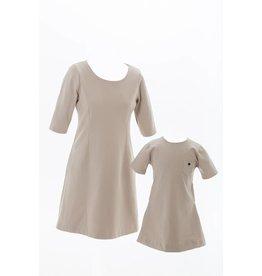 Studio Mini-Me Moeder-dochter set Beige jurk met zakken