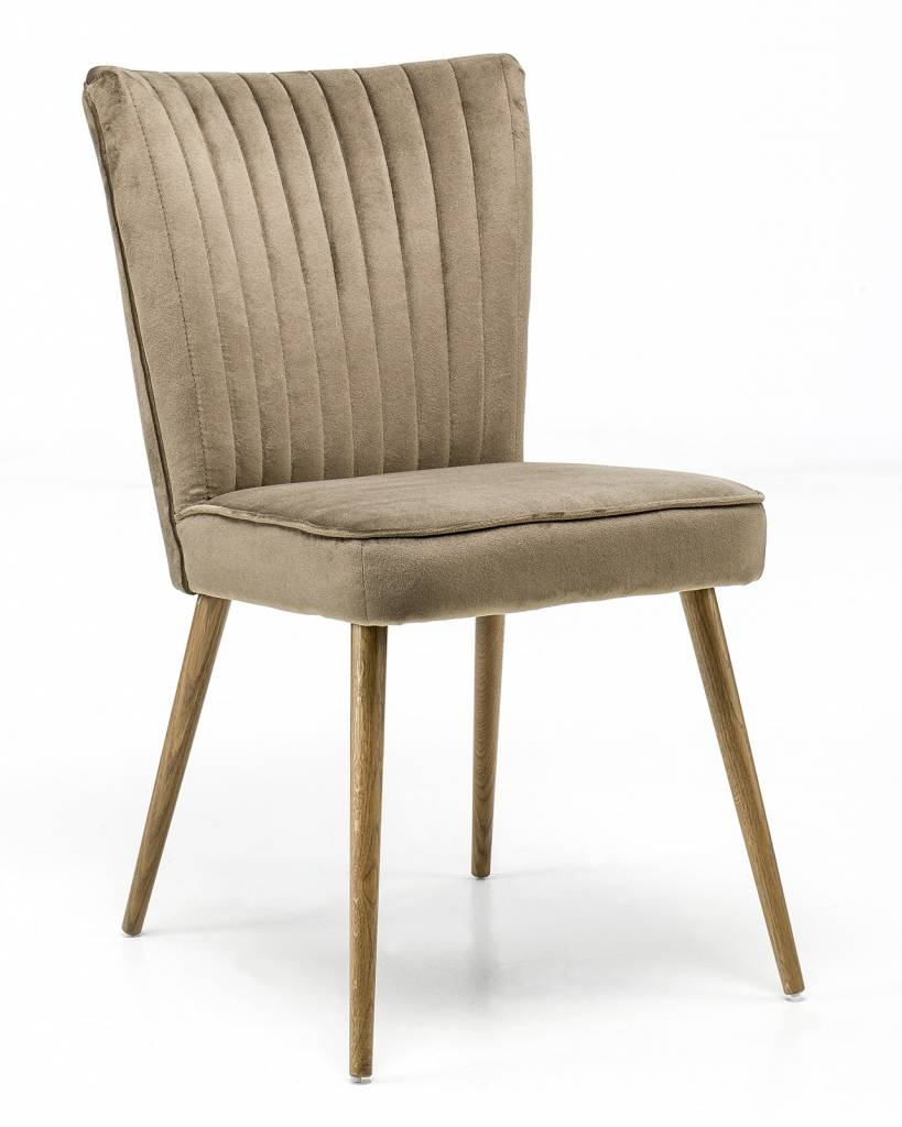 Chair in the fabric Juke with oak leg in olive color