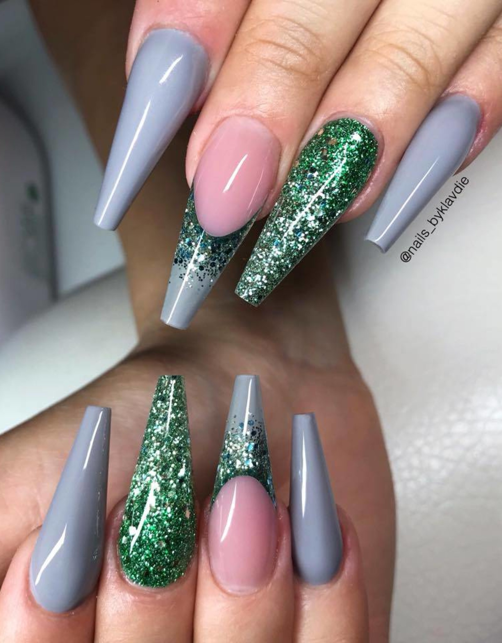 Gel Polish Feather Grey