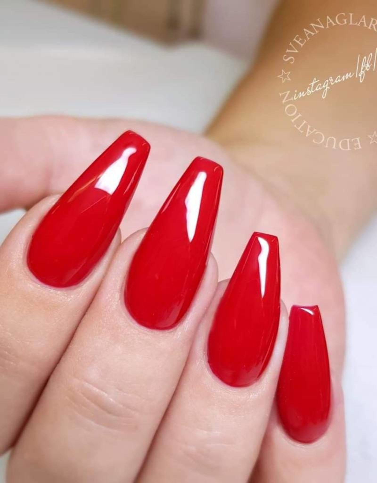 Gel Polish Classic Red