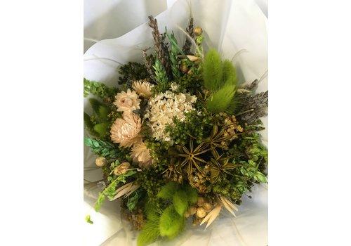 Strauß aus Trockenblumen in Grün