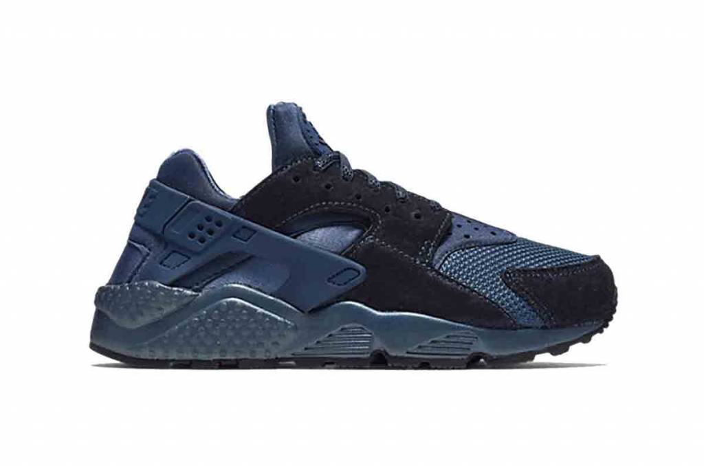 121779c4be79 Nike Nike Air Huarache Run Premium WMNS 683818-900 - Tenandup