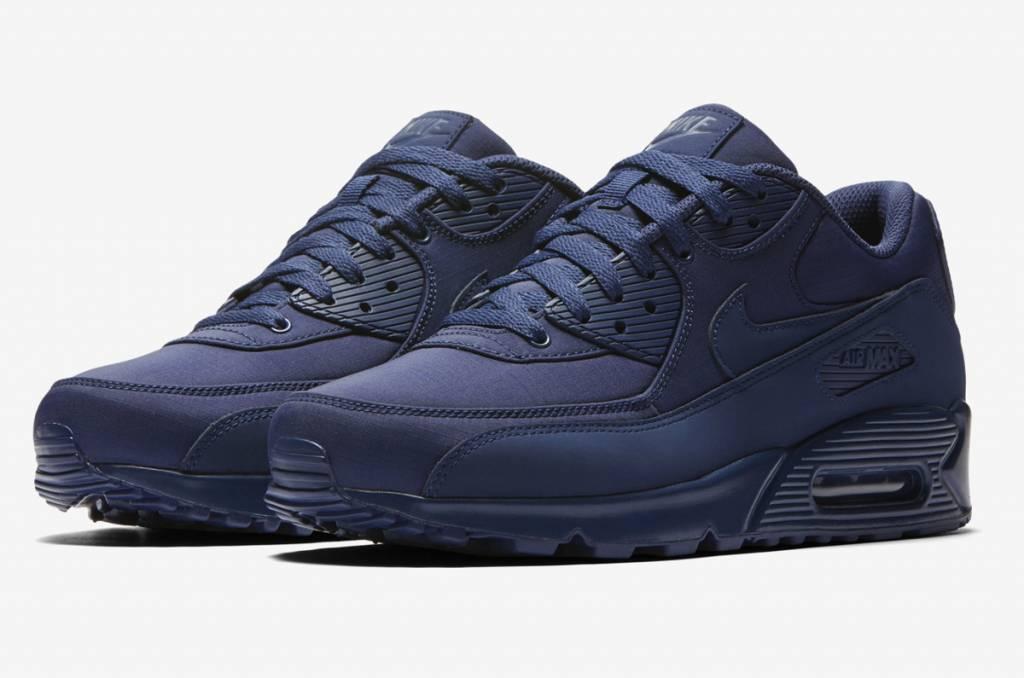 Nike air Max 90 Essential Sneaker For Men , Black Size 45 EU
