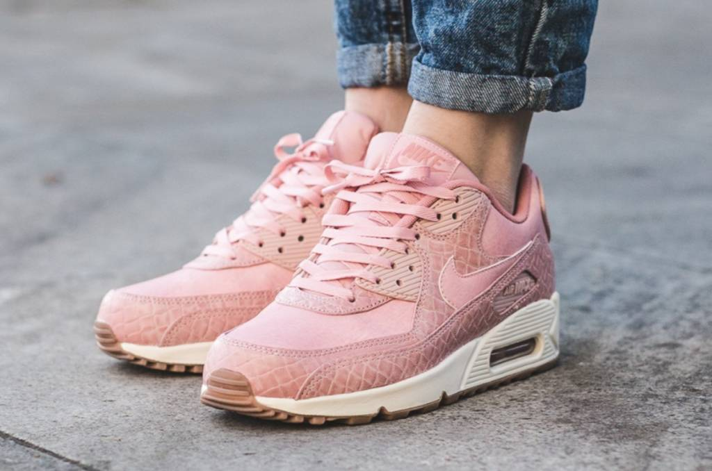 detailed look bbfe3 e1d20 Nike Air Max 90 Premium WMNS 896497-600
