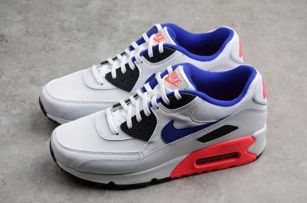 best sneakers 80b2e 4d1cc Nike Nike Air Max 90 Essential