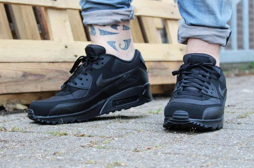 sports shoes b0de0 ab8e2 Nike Nike Air Max 90 Essential 537384-090