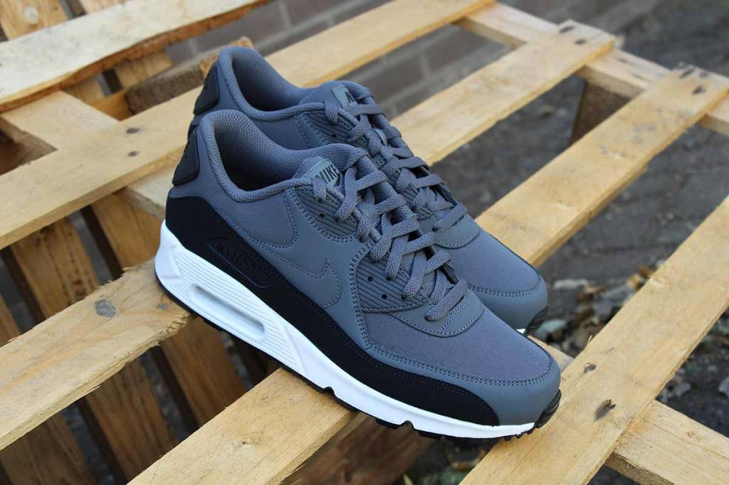 hot sale online 81ada 8d943 Nike Air Max 90 Essential 537384-085
