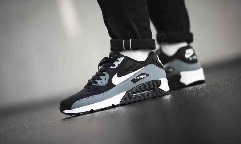 online store 1a501 76afd Nike Air Max 90 Essential (Black) AJ1285-018