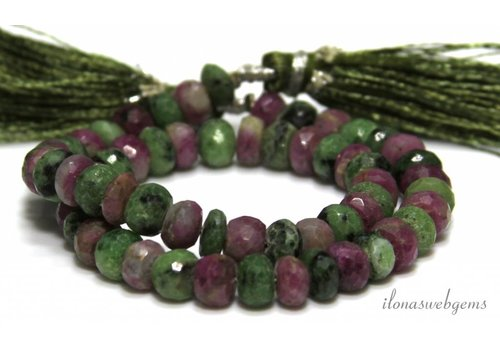 Ruby Zoisite kralen facet rodel ca. 7.5x4mm