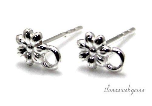 1 paar Sterling zilveren oorknopjes bloem