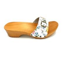 Slippers white flower design