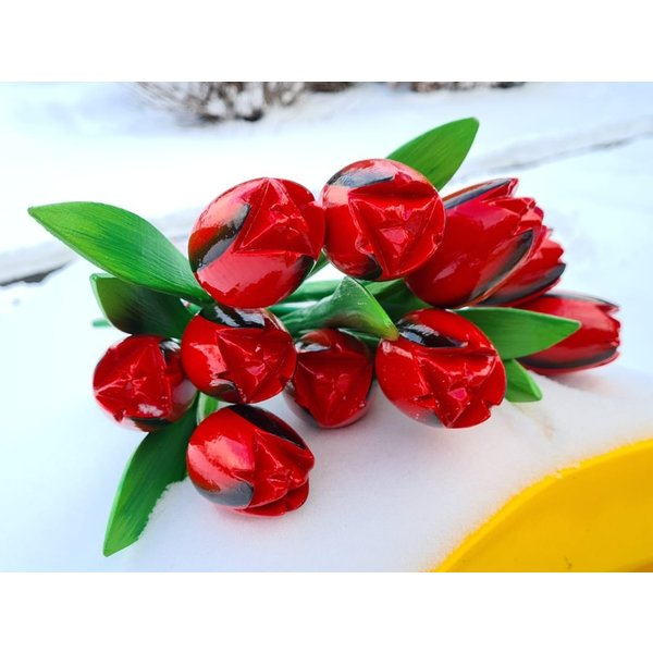 Red wooden tulips bouquet r/b 4 (10,20 or 30pcs)