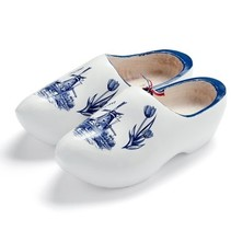 Delftblue woodenshoes