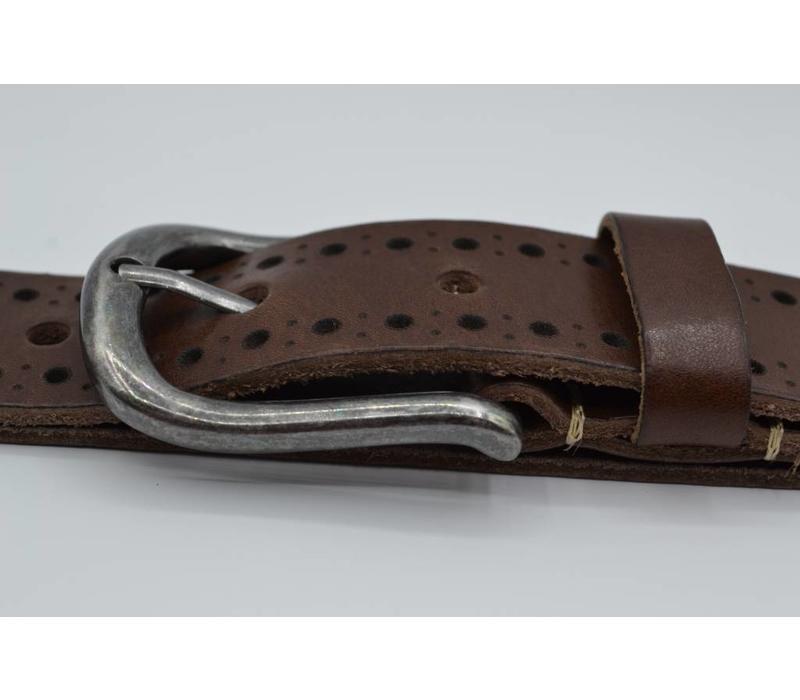 40mm brede casual riem van italiaans volnerf leder. Diep gelaserd en gewassen voor een vintage look