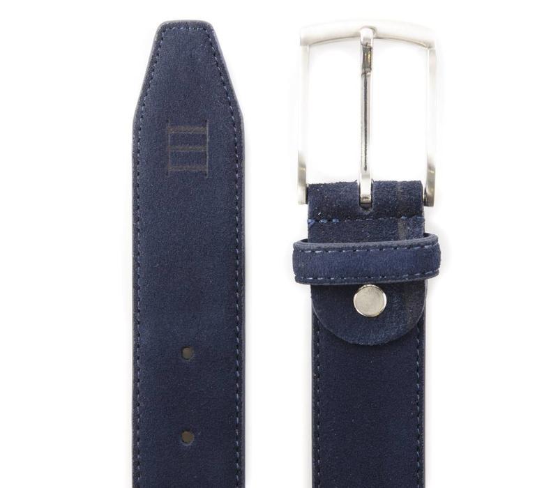blauwe echt leren riem gemaakt van suede  en makkelijk aanpasbaar d.m.v. een schroefje