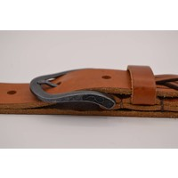 35mm brede riem van Italiaans vol nerf leder met een speels gelaserde slingerpunt