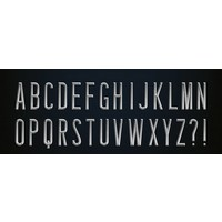 Zilveren letters om op een riem te schuiven.