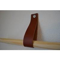 De banden van 40cm lang zijn geschikt voor zowel toiletrollen, handdoekrek als flessenhouder.