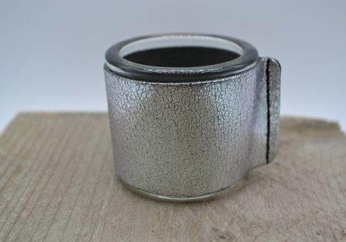Scotts Bluf Kaarsenhouder voor theelicht. Glas en grof zilver leer