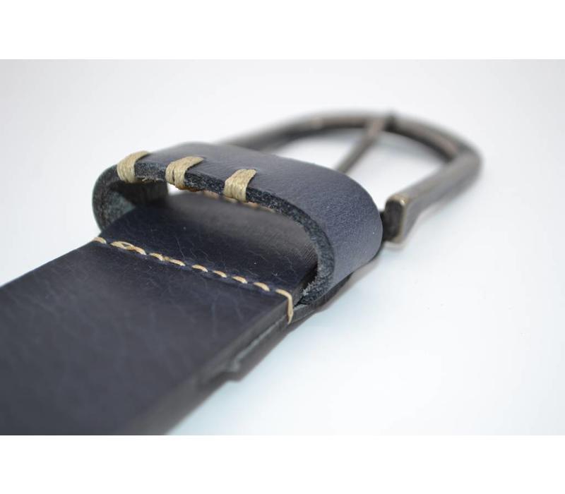 blauwe riem van Italiaanse topkwaliteit en leuke details .