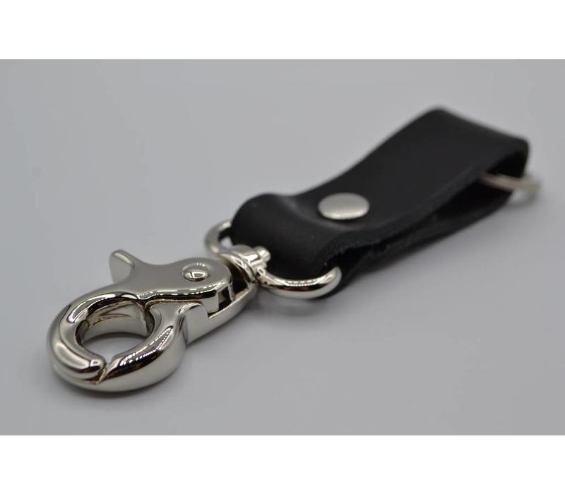 Deze zwarte moderne sleutelhanger is te personaliseren met 30 karakters of een logo.