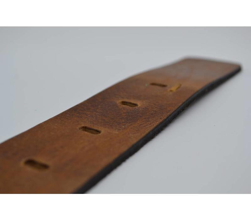 Zandkleurige riem van Italiaanse topkwaliteit en gave details