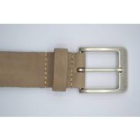 Deze 4cm brede taupe riem wordt speciaal voor u op maat gemaakt.