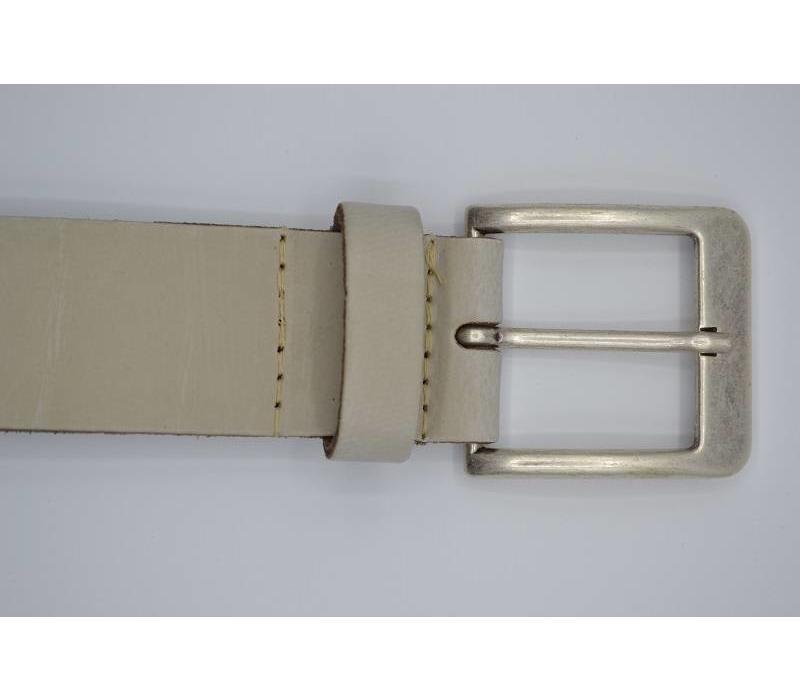Deze 4cm brede ecru riem wordt speciaal voor u op maat gemaakt.