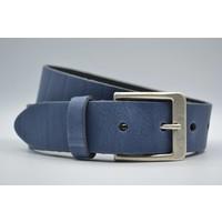 Deze 4cm brede blauwe riem wordt speciaal voor u op maat gemaakt.
