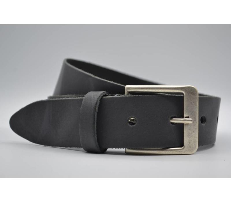 Deze 4cm brede antraciet riem wordt speciaal voor u op maat gemaakt.