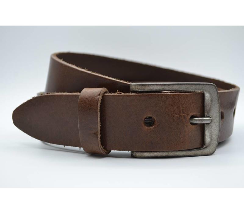 Deze 4cm brede bruine riem wordt speciaal voor u op maat gemaakt.
