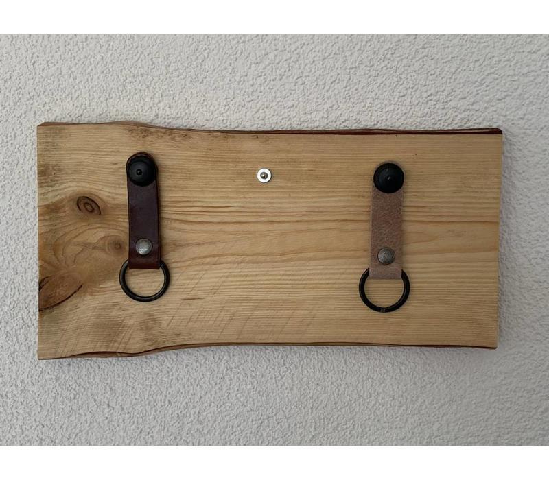 Superleuk sleutelplankjes van douglas hout met 3 echt lederen sleutelhangers